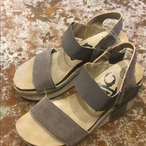 Otbt gray wedge